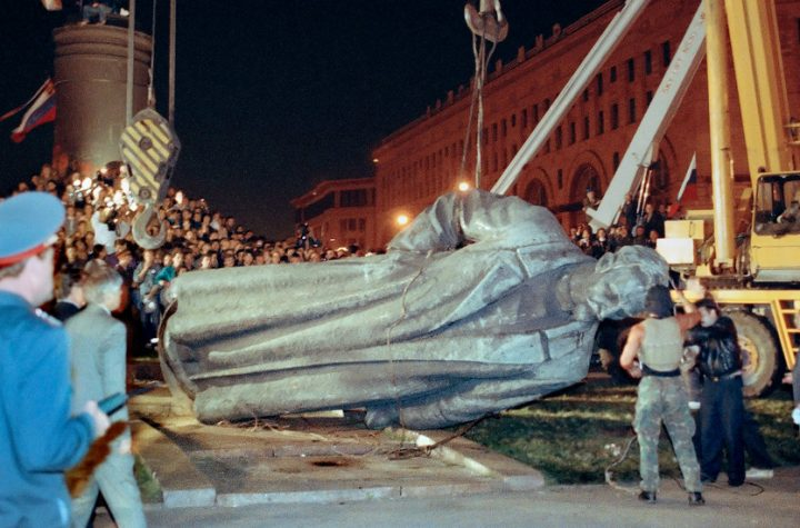 In Russia, They Tore Down Lots of Statues, but Little Changed