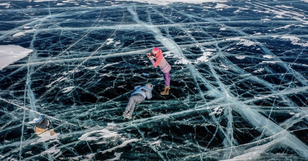 For Russians in a Pandemic, Lake Baikal Is the Place to See and Be Seen