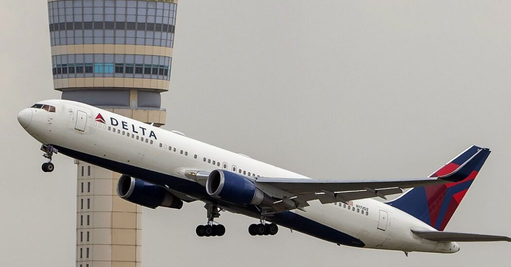 Delta will require that new employees be vaccinated.